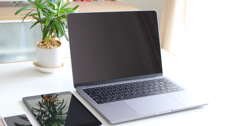 電子カルテの「端末」とは?タブレット端末でも利用可能?
